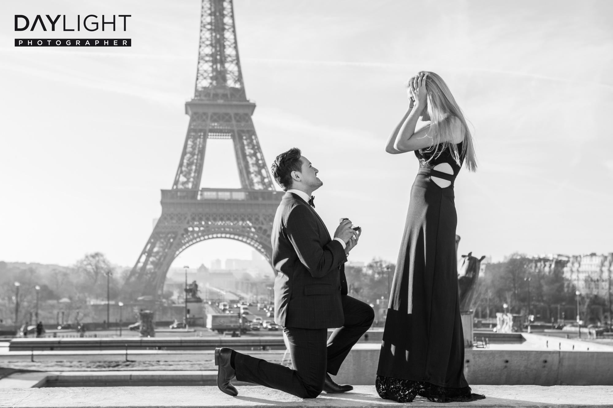 heiratsantrag paris eiffelturm shooting Überraschung in Paris   Fotoshooting mit deutschen Fotografen