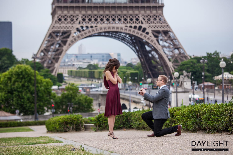 heiratsantrag am eiffelturm