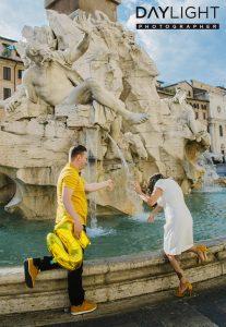 hochzeitstag in rom 207x300 Fotografen in Rom bieten professionelles Fotoshooting