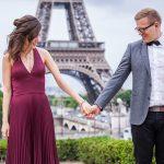 nach heiratsantrag in paris eiffelturm 150x150 Purpur Fotoshooting in Paris
