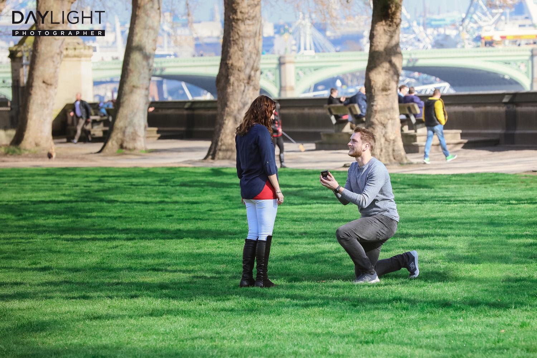 klassischer heiratsantrag in london Fotografen in London bieten professionelles Fotoshooting